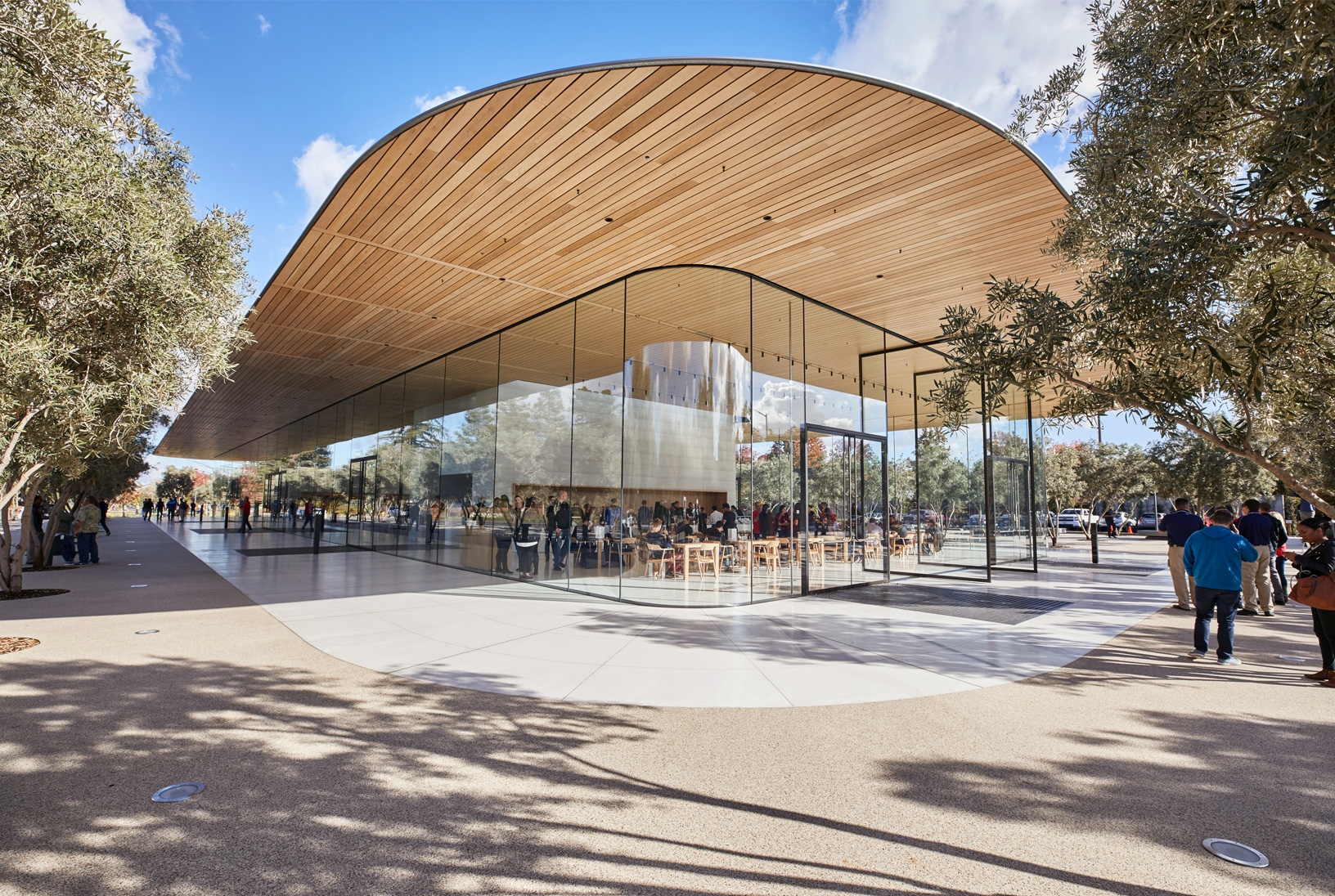 apple-park-visitorcenter-space
